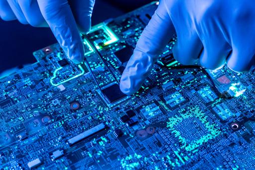 Accelerating Digital Transformation in Hi-Tech Industries